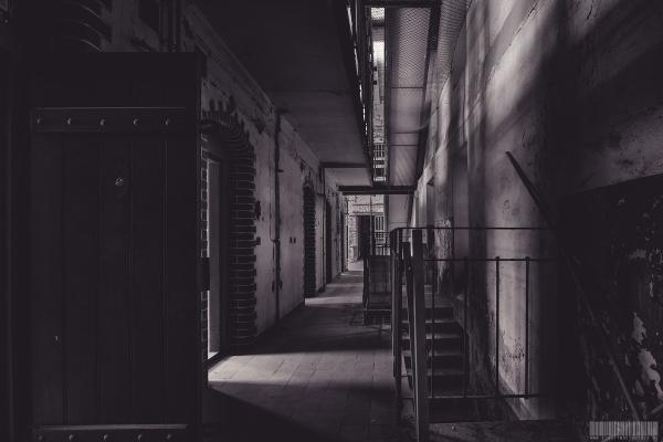 Zellentrakt mit Treppen