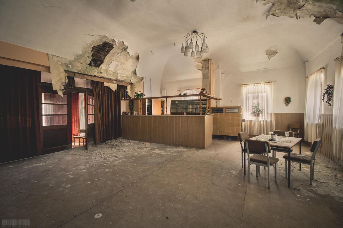 verlassene Bar