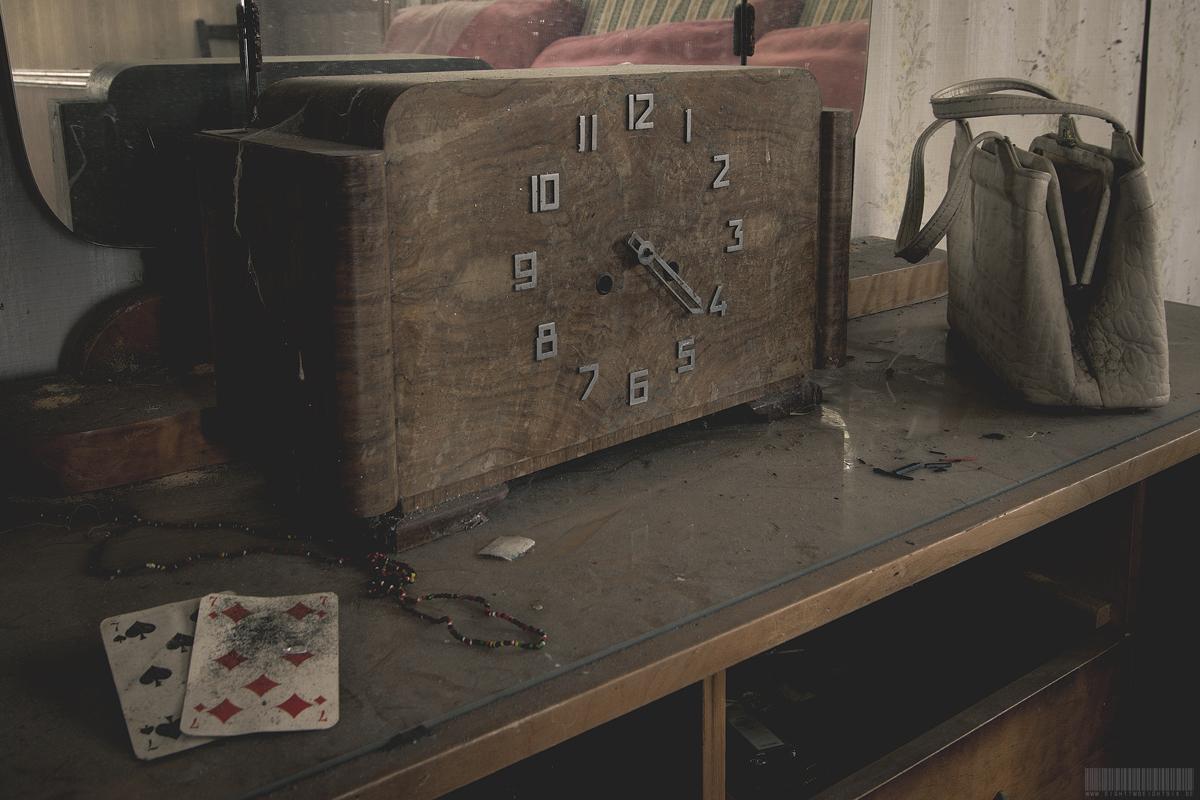 Die Uhr
