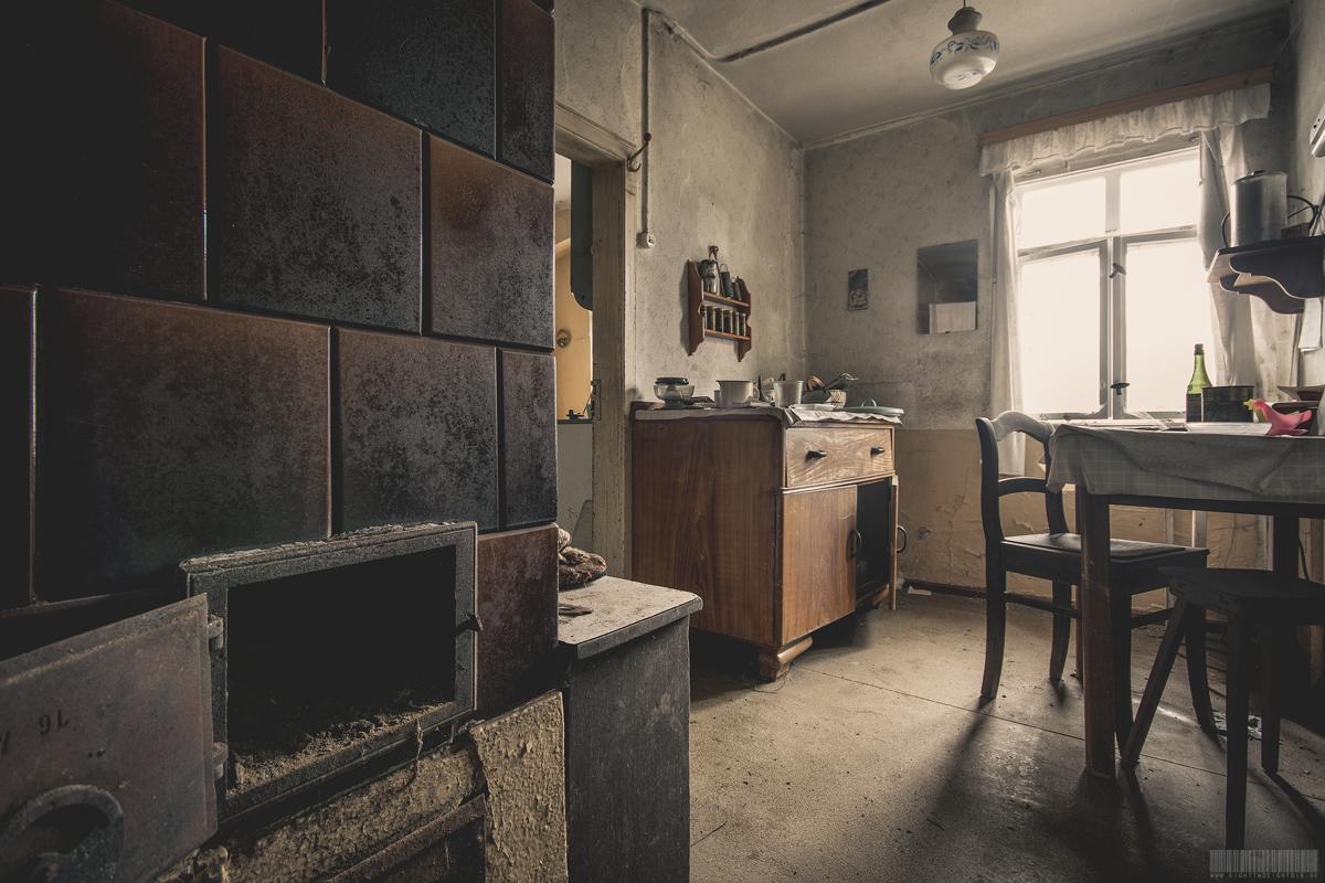 Kachelofen in Küche