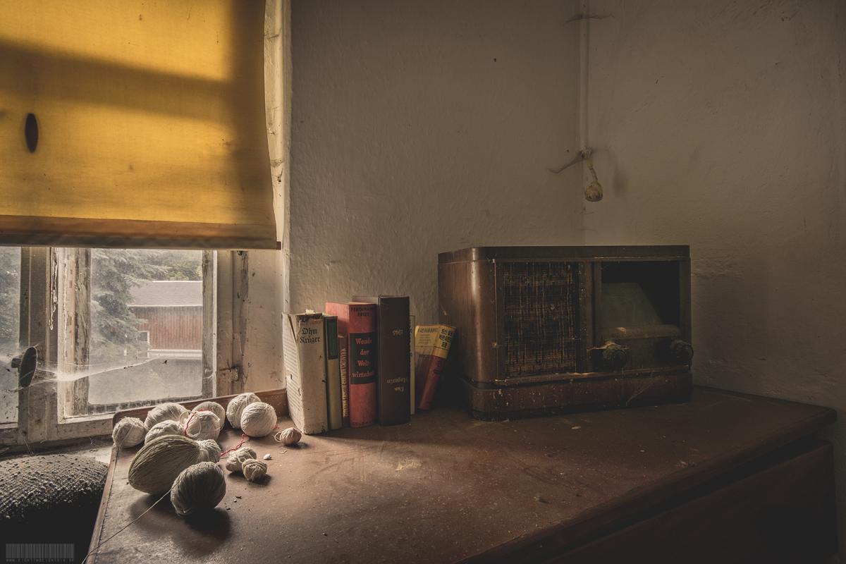 alte Bücher und Radio