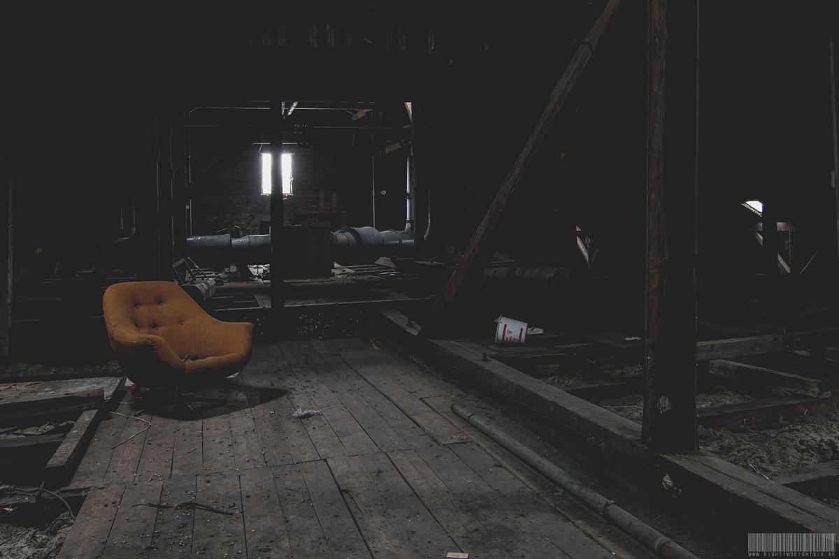 Dachboden mit Sessel