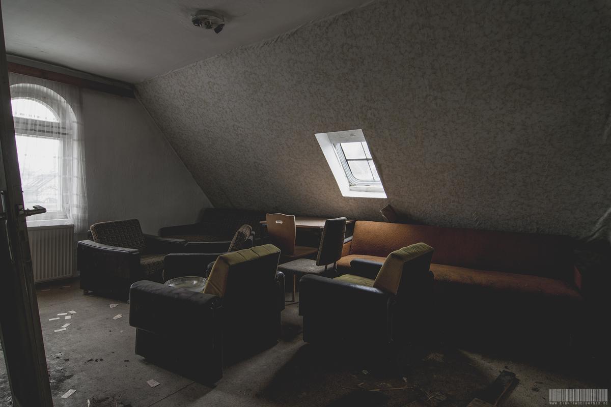 Zimmer mit Sesseln