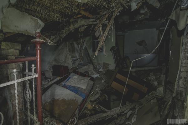 eingestürzte Gästeunterkunft
