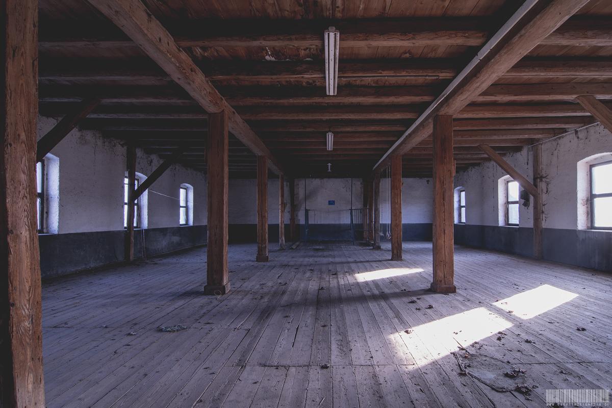 Schaukelhalle
