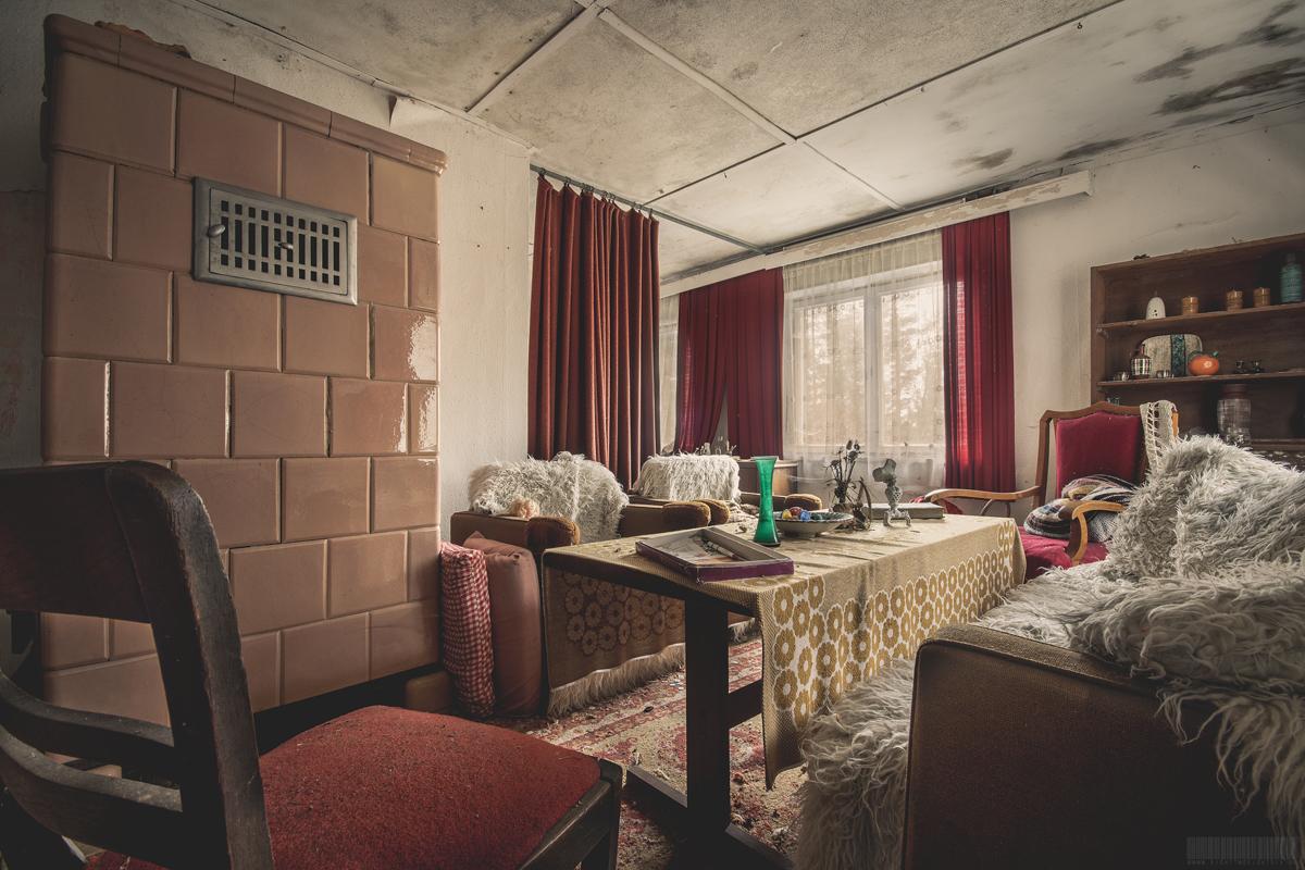 Wohnzimmer mit Ofen