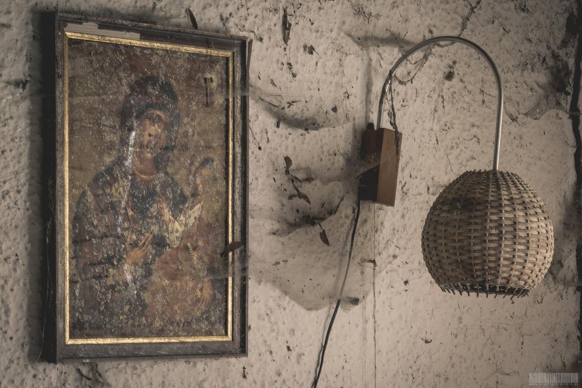 christliches Wandbild im Schlafzimmer