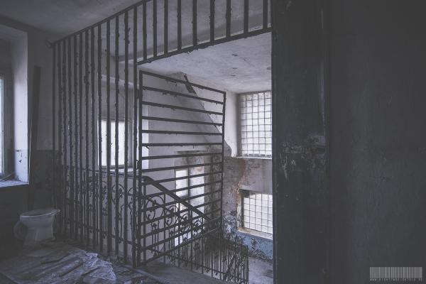 lattice door
