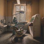 Verlassene Zahnarztpraxis