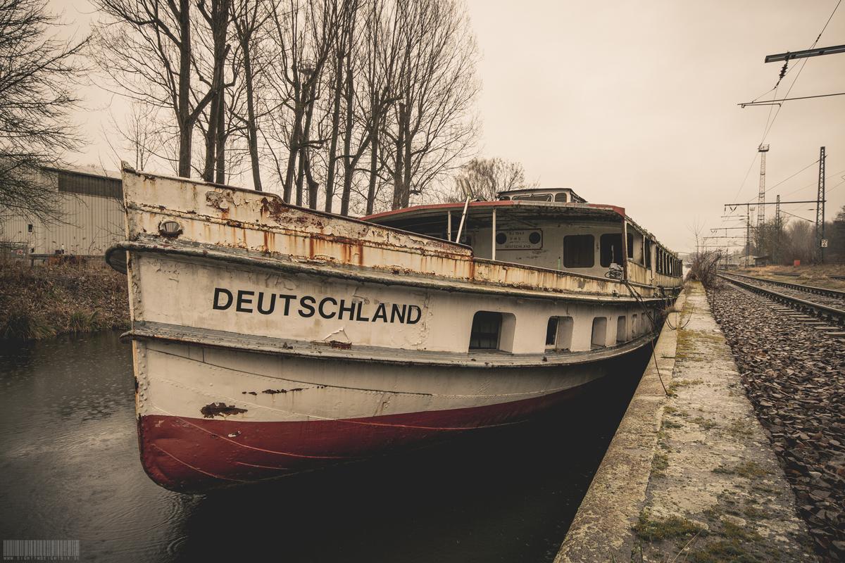 vergessenes Fahrgastschiff Deutschland - Lost Place Brandenburg