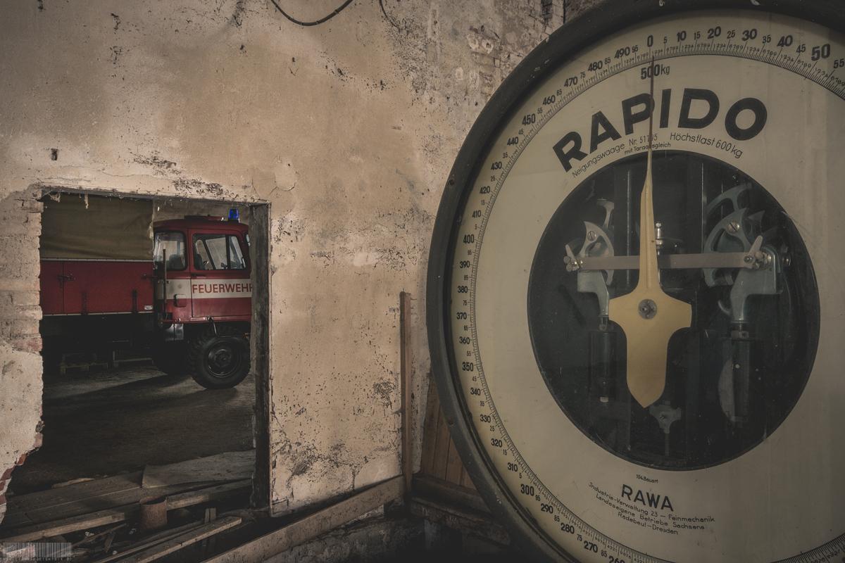 Verlassene Mühle mit Feuerwehrauto Robur - Lost Places Sachsen - Verlassene Orte