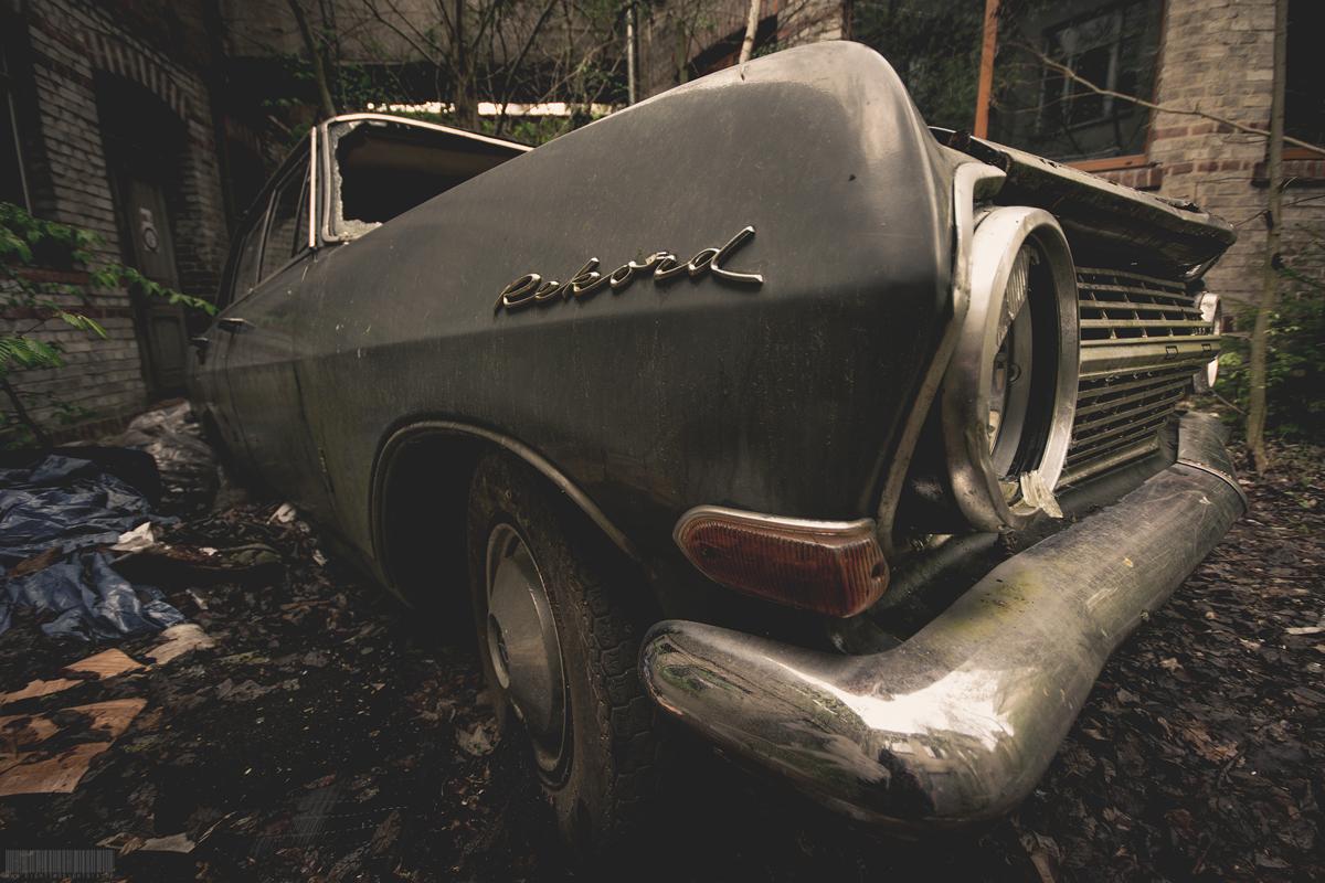 vergessener Opel Rekord A 1700 l Lost Places Thüringen - Verlassene Orte