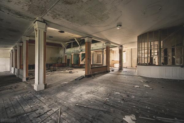 verlassener Gasthof mit Ballsaal in Sachsen Lost Places Altoschatz