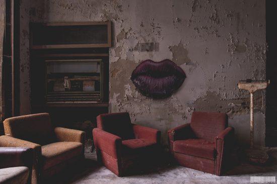 Lost Place - Kussmund an der Wand - Kussmund Sanatorium - Klinik Kussmund Hotel