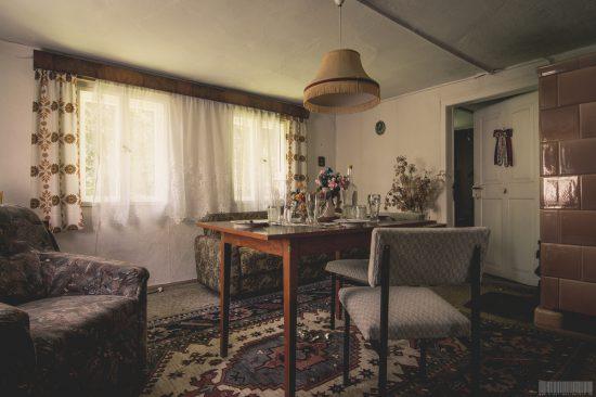 Grannys Home - Tante Oma Erikas Erbe - verlassenes Wohnhaus mit Möbeln in Sachsen