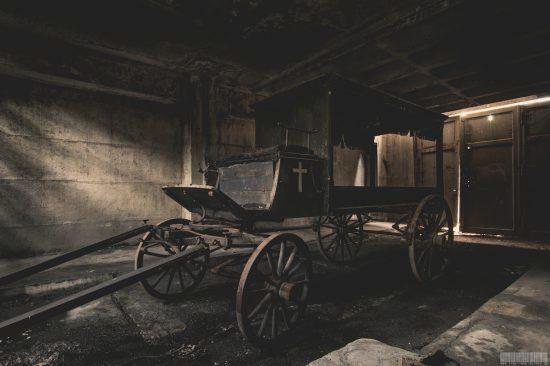 Leichenkutsche Thueringen verlassener Ort Lost Place Urbex