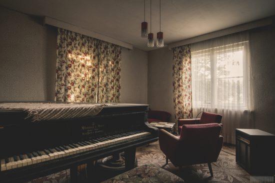 Das Haus der Ventilatoren - verlassenes Wohnhaus am Wald in Sachsen - urbex - Lost Place
