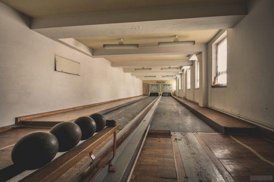 Das verlassene Kulturhaus Sport Frei mit Ballsaal und Kegelbahn in Sachsen - Lost Places