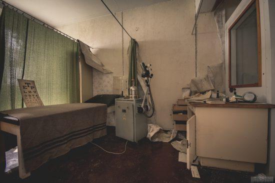 verlassene Arztpraxis in Sachsen - Lost Places - der Betriebsarzt -verlassene OrteGebrüder Klinger VEB Dämpferbau Lommatzsch
