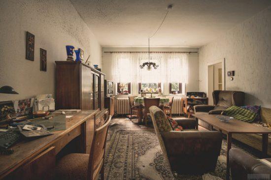 verlassenes Haus des Schnitzers in Sachsen im Erzgebirge - Lost Places Sachsen