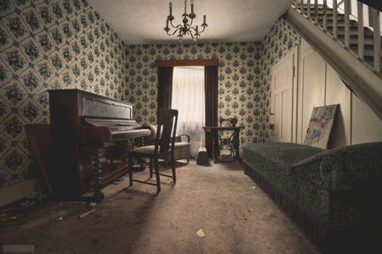verlassenes Wohnhaus in Thüringen - Sekte - Klavier - Lost Places - Das Haus der Amish